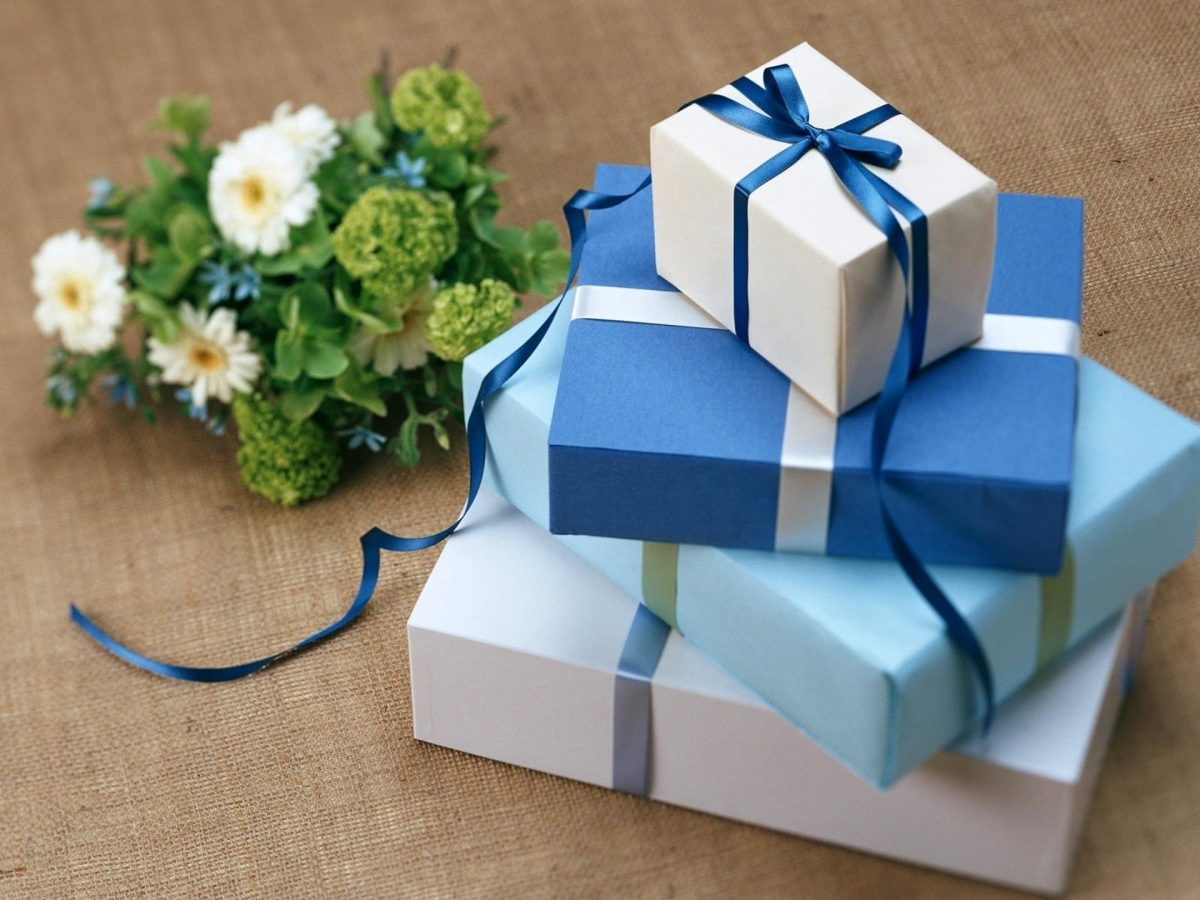 6 Adorable Gift Ideas for a Marriage Anniversary